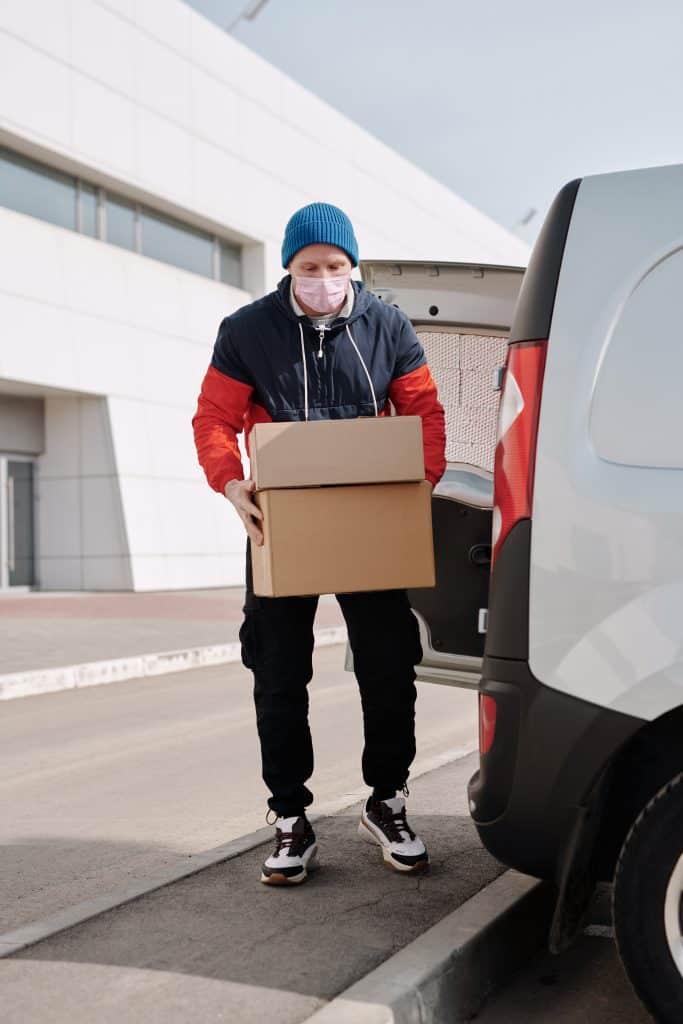שירות משלוח חבילות בארץ